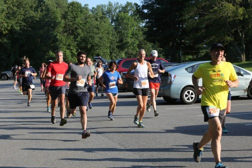 005 - Guess Your Time 2.5 Miler 2017 Photo by Jack Brennan - (IMGL0541)